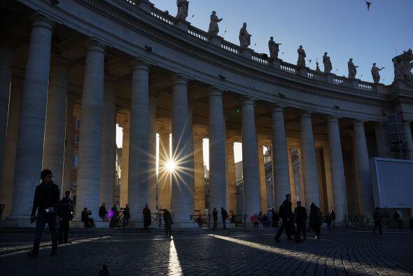 El portavoz vaticano, el jesuita Federico Lombardi, explicó que 1...