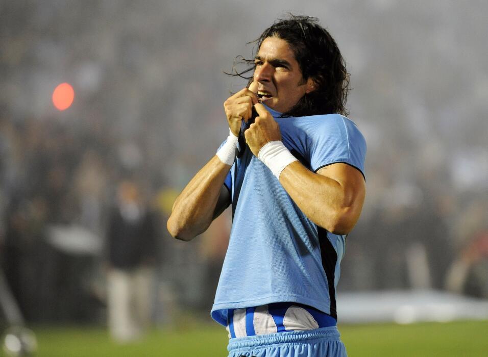 'Loco' Abreu vestirá en Uruguay su camisa 25 GettyImages-93204442.jpg