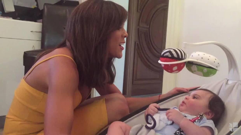 Francisca conoció al bebé de Lourdes, lo cargó, le cantó y hasta le quit...
