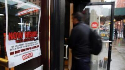 Las solicitudes de beneficios por desempleo se incrementaron más que lo...