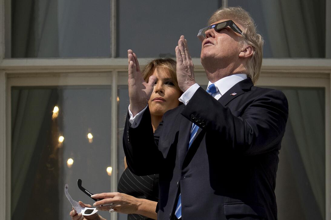 Fotos: Melania, Ivanka y Donald Trump (sin gafas por momentos) también v...