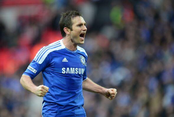 Frank Lampard será el jugador que comience a circular la pelota para los...