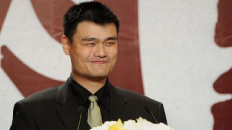 Con este anuncio queda descartada la participación de Yao Ming en el equ...