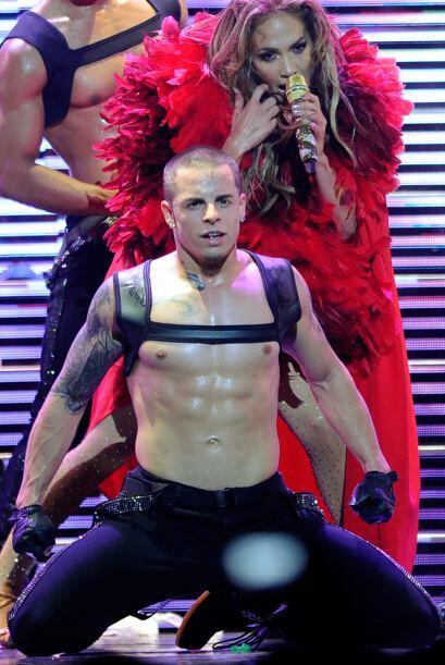 ¡No lo puede negar! Jennifer Lopez sabe que bailar a los galanes con eso...