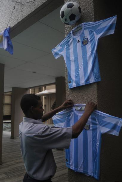 La selección argentina jugará en Blangadesh en breve días y ya los comer...