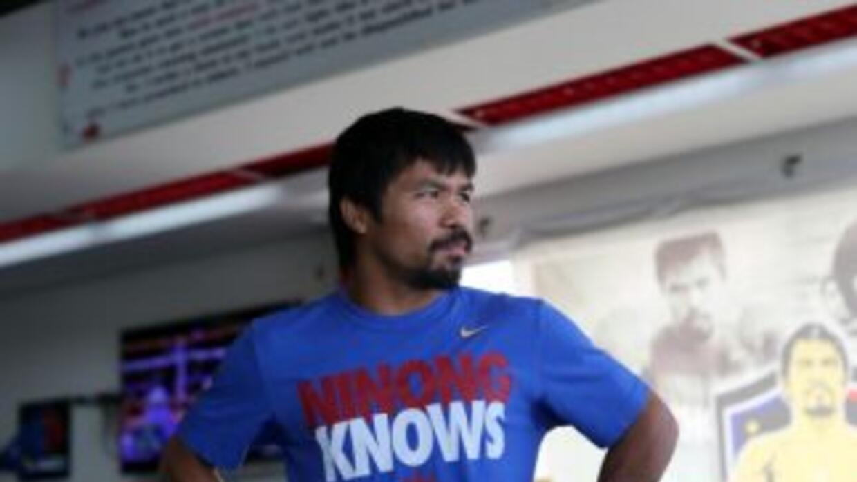 Manny Pacquiao pesó 143 libras, en peso para Chris Algieri.