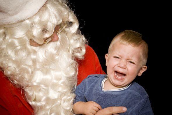Prepárate. Es muy común que los niños pequeños le tengan miedo a Santa o...