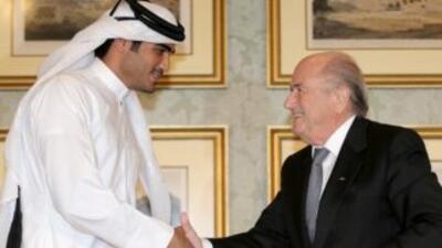 El presidente del Comité del Mundial de Catar Sheikh Mohammed bin Hamad...
