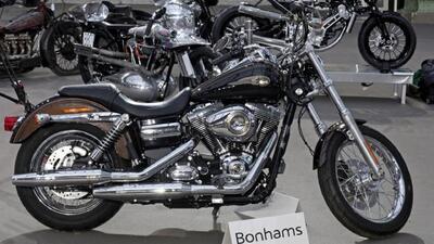 Subastan la motocicleta Harley Davidson del Papa Francisco