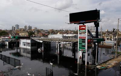 Una vista de San Juan tras el paso del huracán María, este...