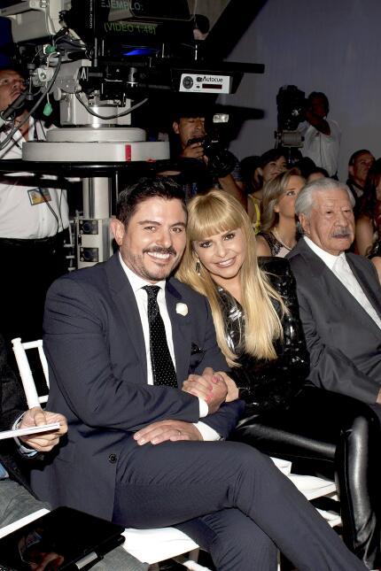 Ernesto Laguardia e Itatí Cantoral durante el estreno del sitio web de s...