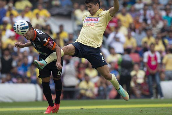 Al igual que Pablo Aguilar, Paolo Goltz tiene que jugar con confianza y...