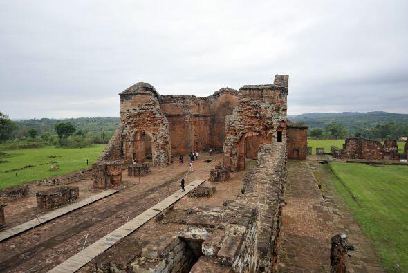 Mejor conocida como la Ruta Jesuítica, la serie de vestigios de templos...