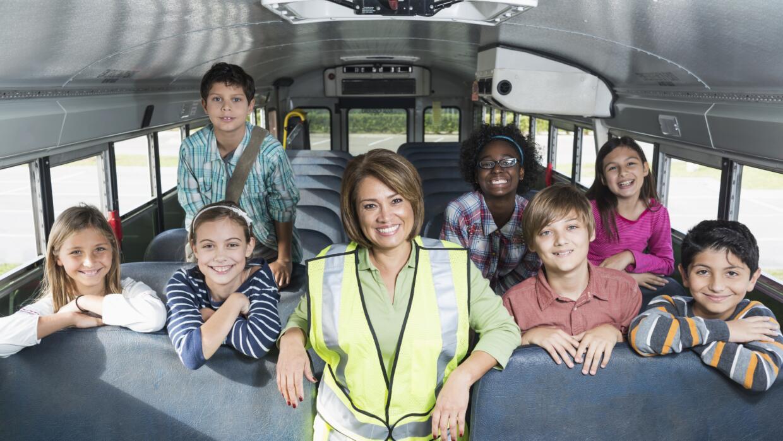 Apunta estos consejos para elegir un 'school bus' adecuado para tus hijos