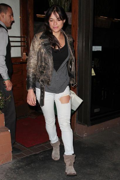 Michelle Rodriguez sigue en su mood sporty que no le favorece nada. Esas...