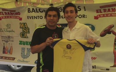 Salvador Cabañas y Luis 'el Matador' Hernández estuvieron compartiendo c...