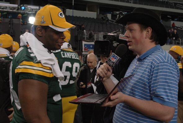 Todo tipo de preguntas eran realizadas a miembros de Packers y Steelers.