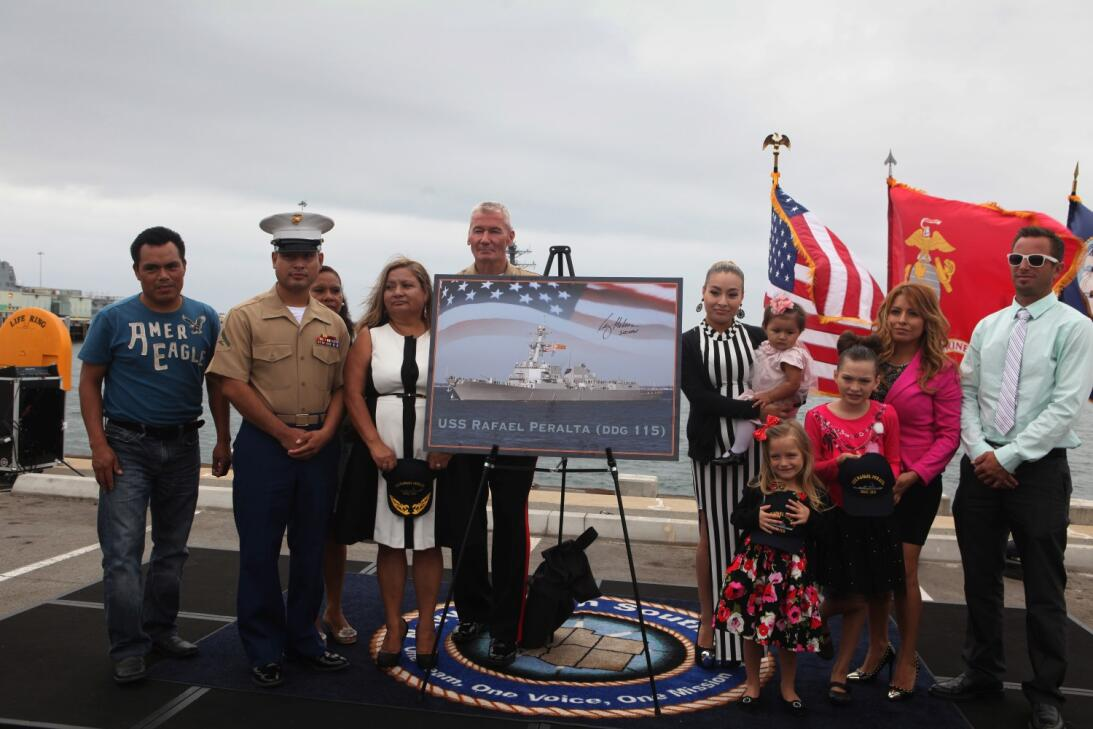 En fotos: El héroe hispano que dio el nombre a un buque de guerra de EEU...