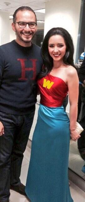 """Disfrazada como """"Wonder Woman""""."""