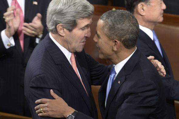 Antes de iniciar su discurso, saludó al secretario de Estado de EEUU, Jo...