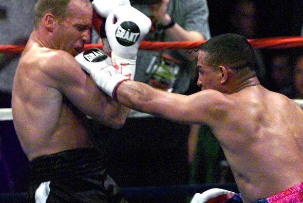 Tuvo una éxitos en el ring, pero una bala en su natal Puerto Rico...