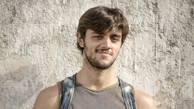 Felipe Simas es Jonatas.