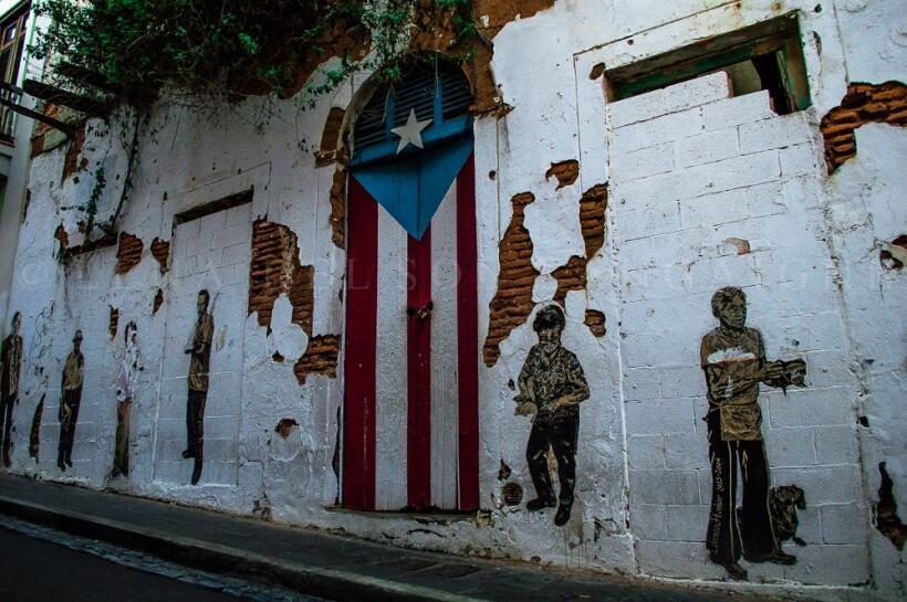 Lena del Sol, artista nacida en Toronto de padres puertorriqueños...