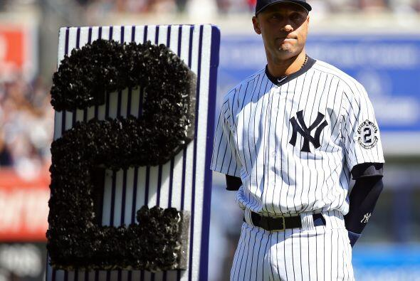 Los Yankees rindieron un homenaje de despedida a Derek Jeter con una cer...