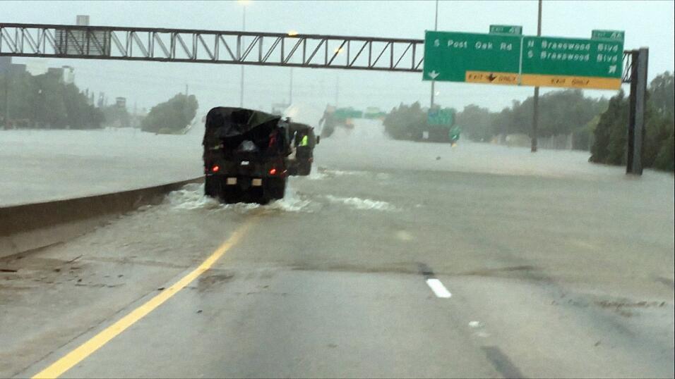 "El Centro Nacional de Huracanes informó que se espera un ""desastre..."