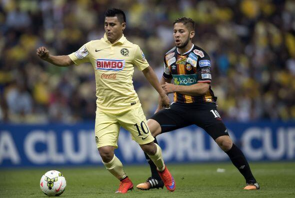Osvaldo Martínez, el paraguayo se mantuvo como titular en el América a l...