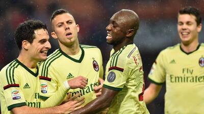 El francés Menez hizo el doblete con el que el Milan se impuso.