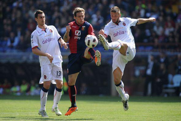 Finalmente, Genoa fue derrotado en su estadio por el Cagliari al son de...