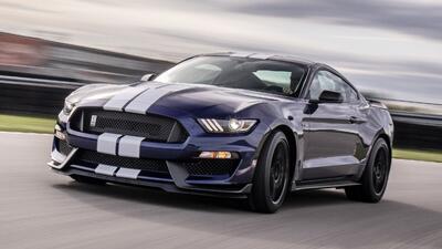 La excelente versión Shelby GT350 del Mustang recibe mejoras aerodinámicas y ajustes en su chasis