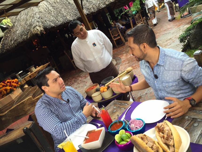 Mira que bien se la pasaron Julion Alvarez y Luis Sandoval en  Guadalajara