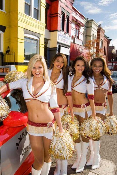Qué hermosa la cheerleader de Pro Bowl de los Washington Redskins...