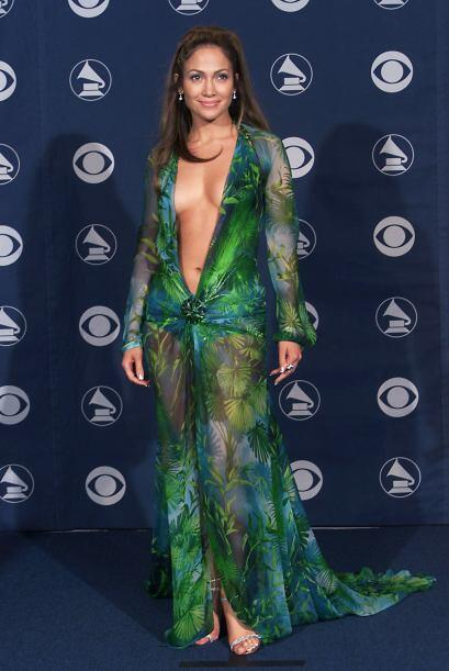 Para taparle el ojo al gato, Jennifer Lopez decidió salir muy des...