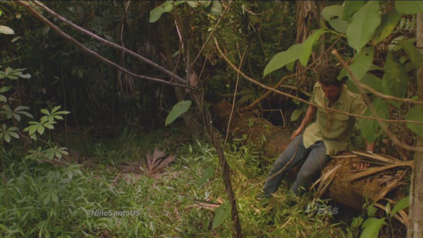 En tanto... Damian se pierde en el bosque.