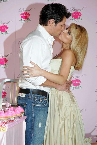 "Juntos protagonizaron un reality show ""Newlyweds: Nick and Jessica"". Mir..."
