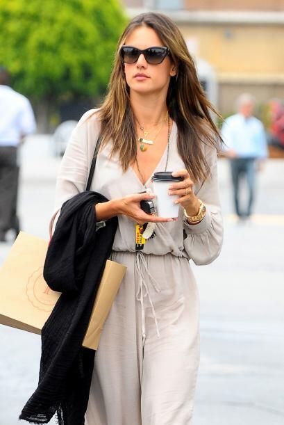 Alessandra hasta usó joyas inspiradas en el Mundial.Todo sobre el Mundia...