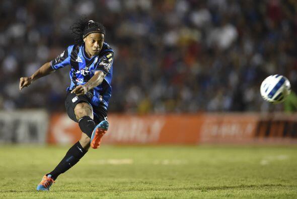 El astro brasileño busca encaminar al Querétaro a su primera final en la...