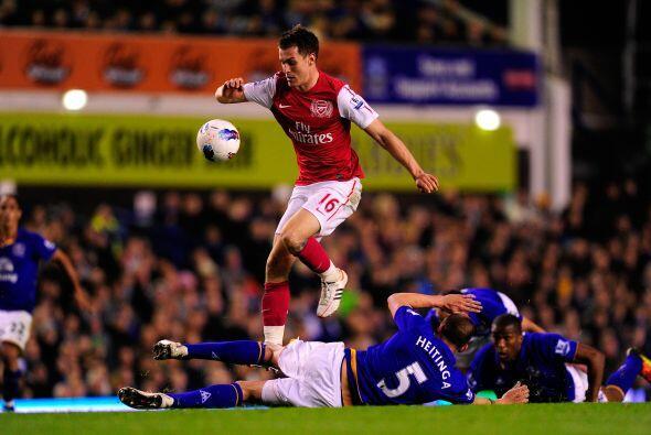Arsenal buscaba transitar la pelota como les pide el entrenador Arsene W...