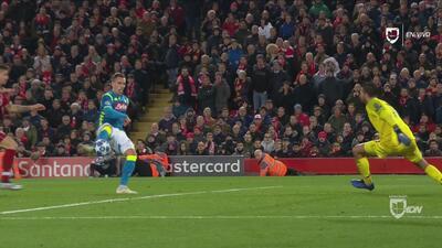 ¡Atajada de 70 millones! Alisson salvó al Liverpool