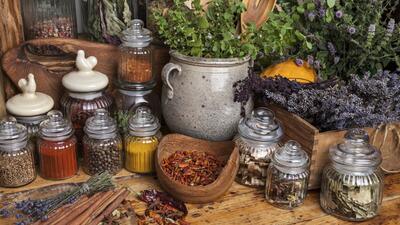 Hierbas súperpoderosas que debes tener en tu cocina