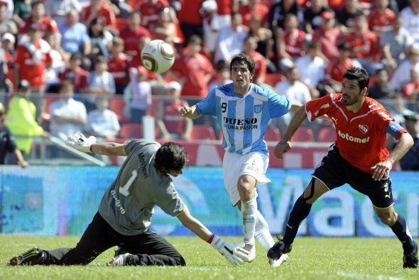 Independiente, gracias a la gran actuación de Hilario Navarro, que tambi...