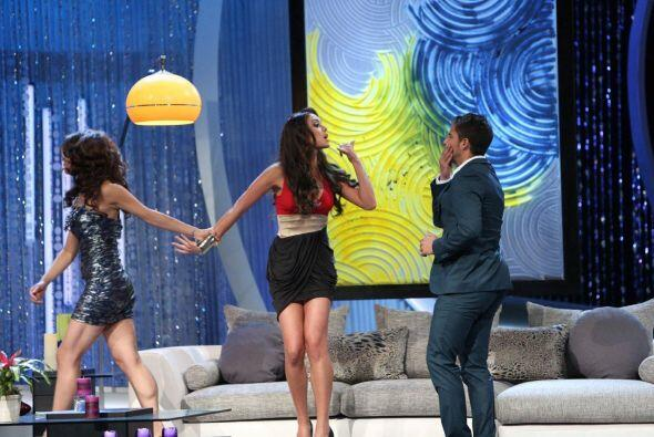 Seis chicas demostraron su talento en la actuación con el guapo M...