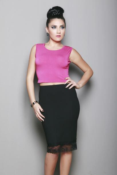 Para salir a bailar. Opta por un look sexy y femenino, con un top rosado...