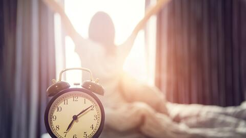Debido al ciclo de las estaciones, que acorta y alarga los días,...