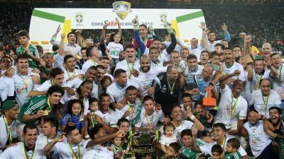 Palmeiras 2 (4-3) 1 Santos:  Palmeiras vence a Santos y gana la Copa de Brasil