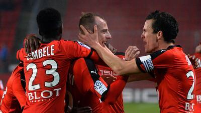 El Stade Rennais gana con autogol de último minuto en debut de Courbis