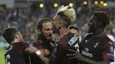 En fotos: el Milan, con nómina 120 veces más cara a la del Dudelange apenas le gana 1-0